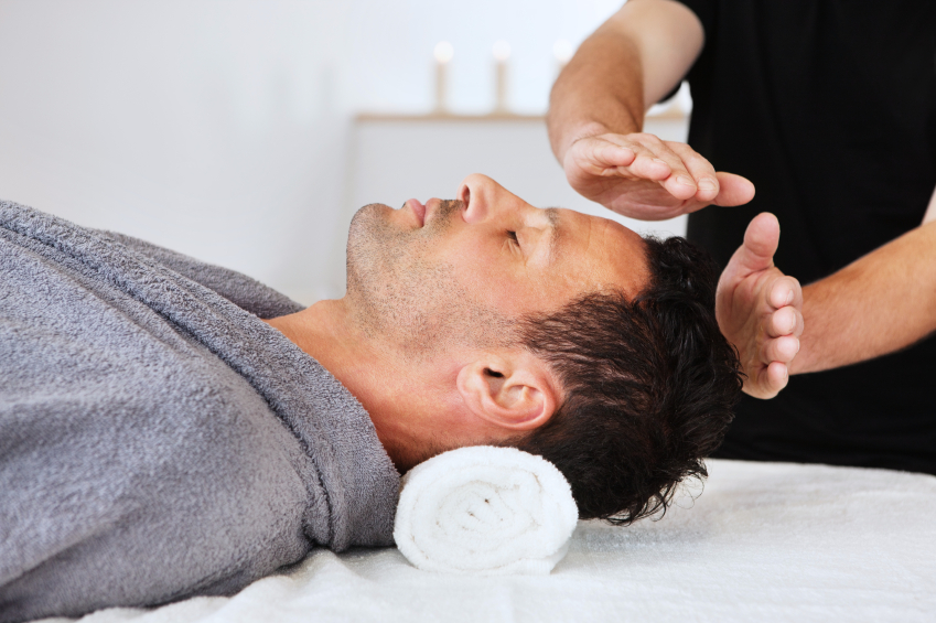 Reiki-Session-Guy-iStock_000018321399Small